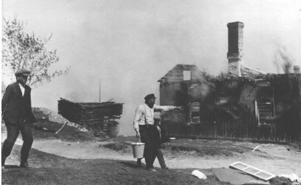 Nedbränt hus i Bläsnäs maj 1929.